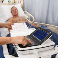 GE MAC 2000 Ruhe-EKG